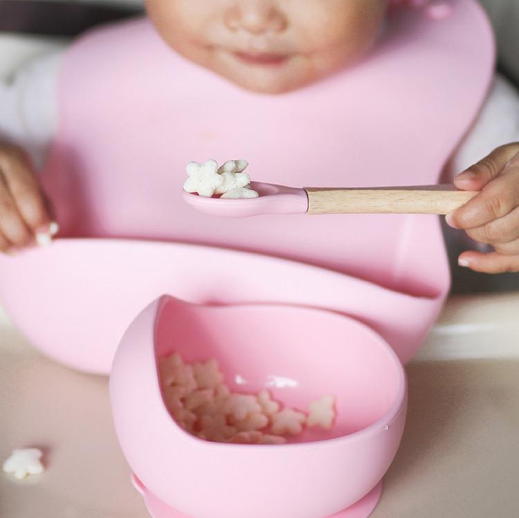 לוח זמנים של 6 חודשים לתינוקות האכלה לתינוקות l Melikey